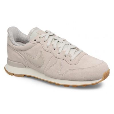 beige nike sneakers internationalist dames