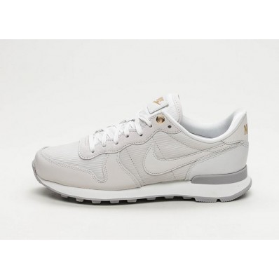 nike internationalist wit grijs