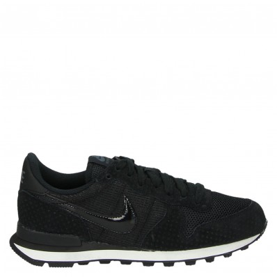 zwarte nike sneakers internationalist dames