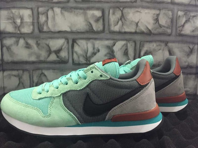 nike internationalist turquoise grijs